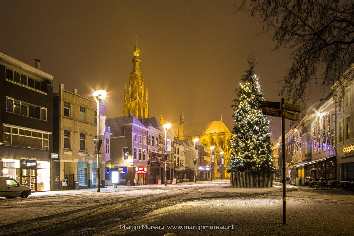De Grote Markt tijdens winterse omstandigheden
