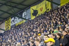 Volgepakte staantribunes bij NAC Breda