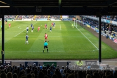 Chesterfield attack in their away game against Southend United