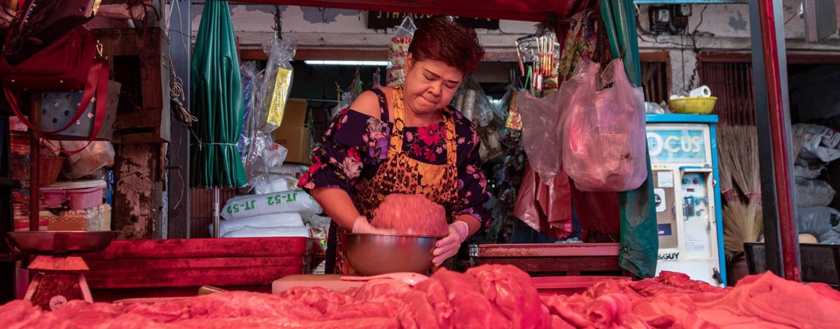 Fietstocht in Bangkok, langs de marktjes
