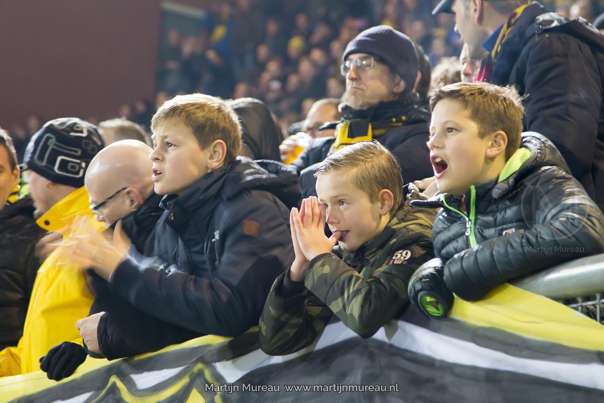 Jonge NAC fans leven mee met hun team